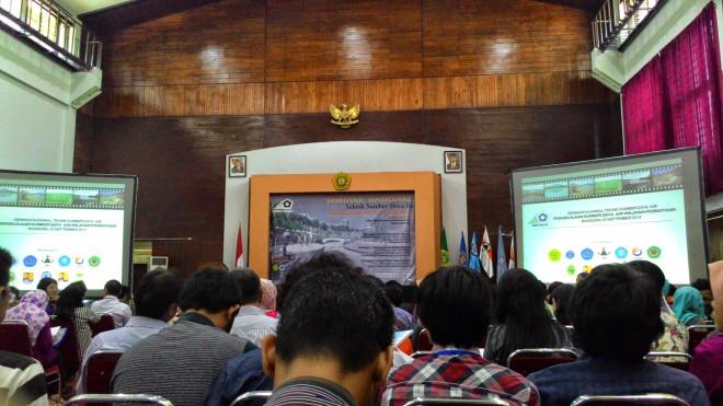 Seminar Nasional Teknik Sumber Daya Air 2014: Pengelolaan Sumber Daya Air Wilayah Perkotaan